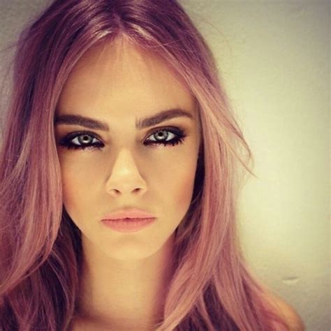 cara delevingne pink lipstick cara delevingne best eyebrows love her hair like this