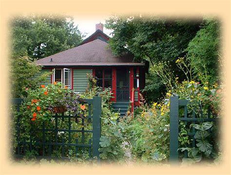Michigan Cottage Rental by Lakeside Michigan Cottage Rental