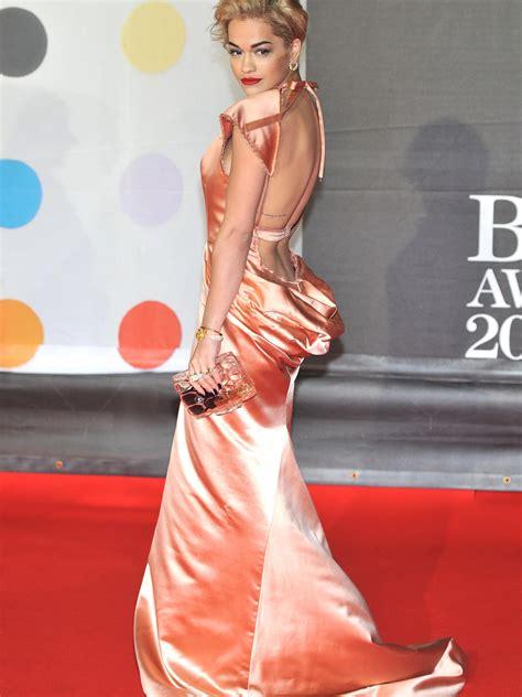 roter teppich kleider brit awards 2013 schaulaufen auf dem roten teppich