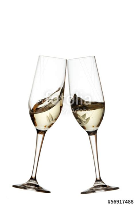 foto bicchieri brindisi quot bicchieri brindisi bianco su sfondo bianco cincin