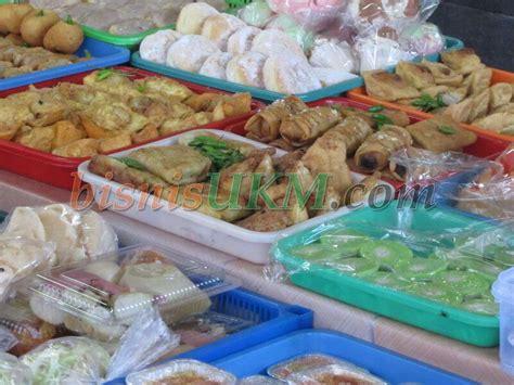 berjualan menu buka puasa  bulan ramadhan