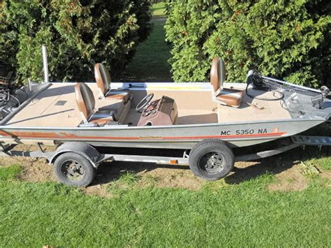 bass boats for sale michigan 1985 bass tracker powerboat for sale in michigan