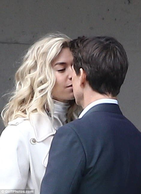 vanessa kirby real height mission impossible s tom cruise and vanessa kirby kiss