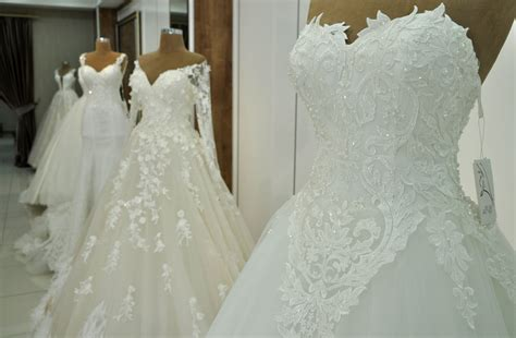 this turkish filmmaker uses wedding dresses to discuss