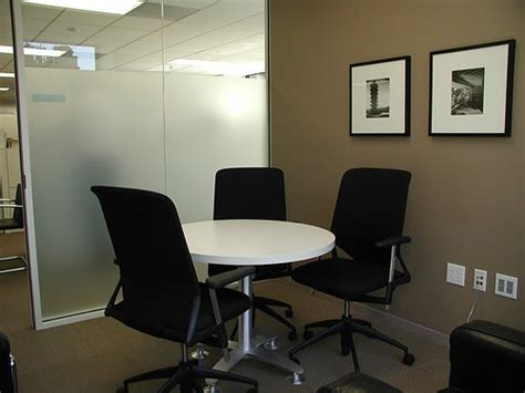 small conference room http media glassdoor m a0 64 57 2d small conference room jpg salon