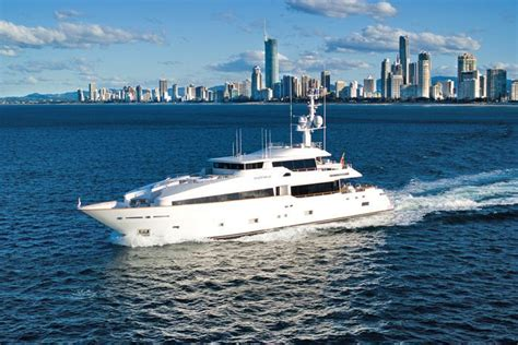 house boats hire sunshine coast super yacht stranded off port macquarie on nsw mid north