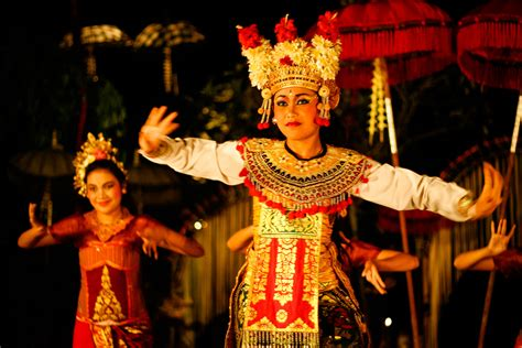 Legong Bali must do in ubud where to see traditional balinese