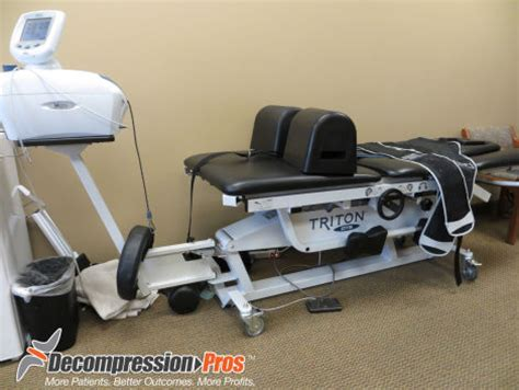 triton dts decompression table used chattanooga triton dts chiropractic table for sale