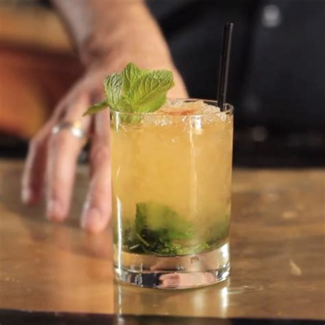 mint julep cocktail bulleit bourbon kentucky buck cocktail recipe