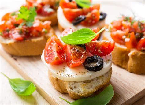 come cucinare le mozzarelle ricetta insalata di pomodori e mozzarella non sprecare