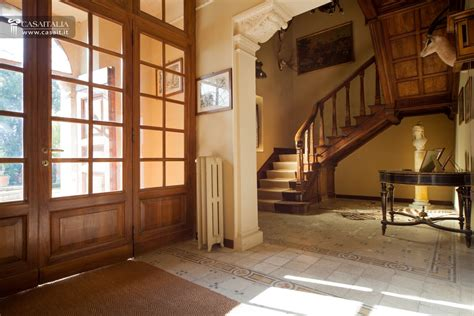 ingresso ville antica villa nobile con parco in vendita a perugia