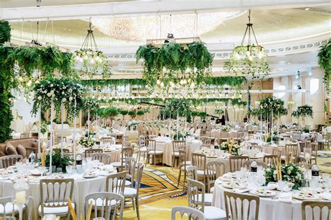 details of a garden wedding theme in arabia weddings حفل زفاف بثيم الحديقة الداخلية في أبو ظبي موقع العروس