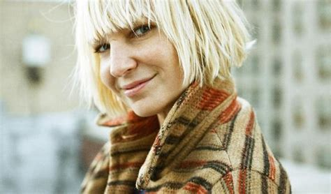 The Song Chandelier Song Of The Day Chandelier By Sia 2oceansvibe Radio Radio From Cape Town