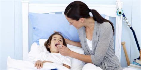 Ibu Menyusui Yang Sedang Sakit Berpotensi Menularkan Penyakit Pada Bayinya Pertolongan Pertama Saat Anak Kejang Sawan