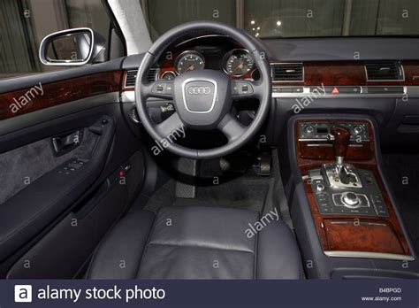 car audi    quattro limousine luxury approxs