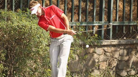 jbe kruger golf swing jbe kruger takes one shot lead at avantha masters thanks