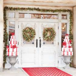 decorating front porch for 30 amazing front porch christmas decoration ideas godfather style