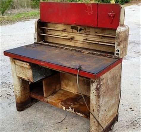 mechanic work bench 21 best images about vintage mechanic workstation on pinterest