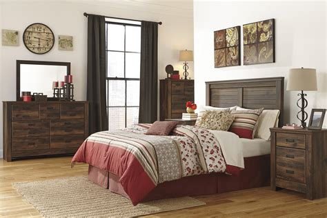 10x10 bedroom queen bed signature design by ashley quinden queen bedroom group