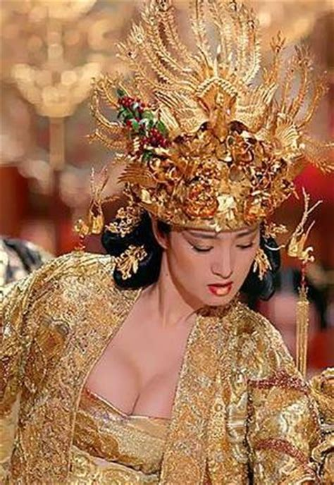 Gong Li Wardrobe Malfunction by Curse Of The Golden Flower 15 Daily Info