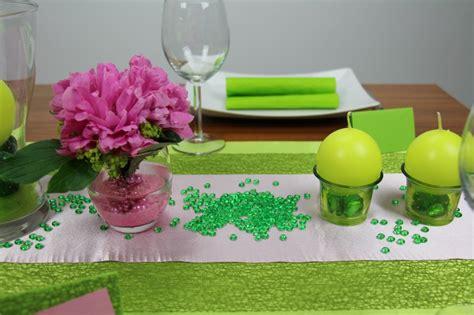 tischdeko alltag tischdeko gr 252 n rosa mustertische trendmarkt24