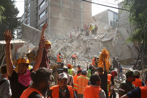 Search In Mexico Mexico Earthquake More Than 200 Dead As Buildings Collapse Nbc News