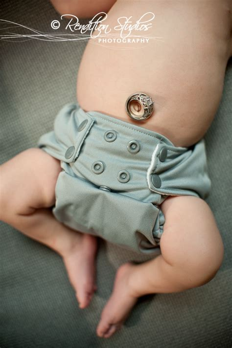Belli To Baby Cold with belly button wallpaper