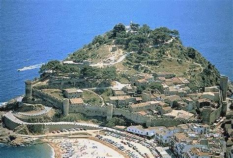 cornisa voladiza va de castillos tossa de mar catalunya