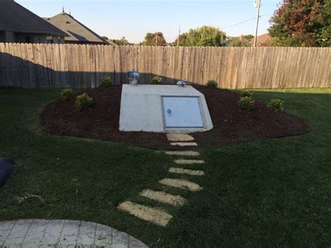 landscaping and shelters on