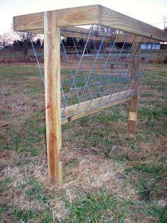 Hay Racks For Horses In Pasture by Diy Pasture Hay Racks Pinteres