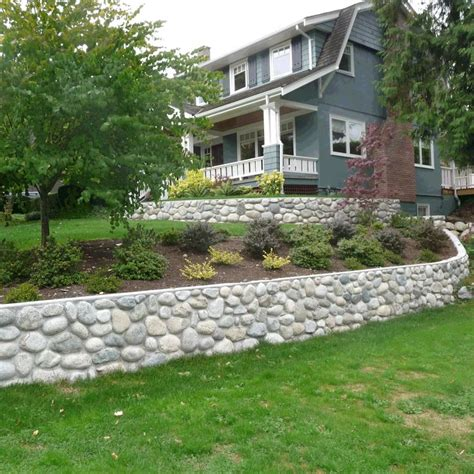 River Rock Retaining Wall But With Bigger Stones More Rock Garden Wall