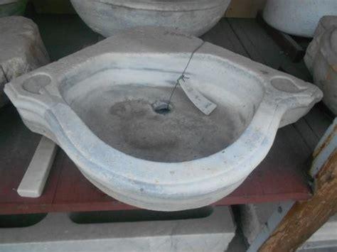 lavello antico ra ma antico lavandino in marmo ad angolo