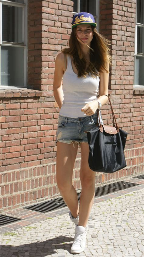 stixx in the city 10 ways to look expensive when you re flat books 4 days 4 ways how to wear denim shorts 2