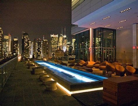 roof top bar manhattan dining rooms with a view manhattan skyline