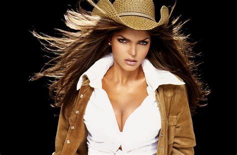 Ana Barbara | ana barbara sues wells fargo mexican singer conned out of