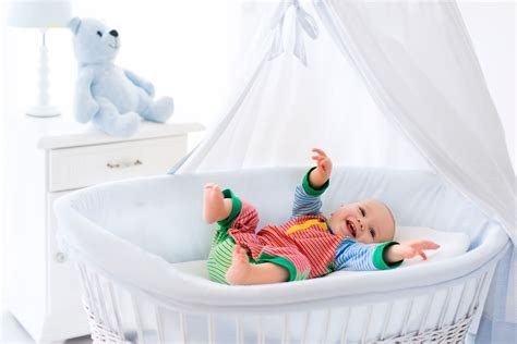 Best Travel Cribs by Best Travel Crib Make Travel Easy For Your One