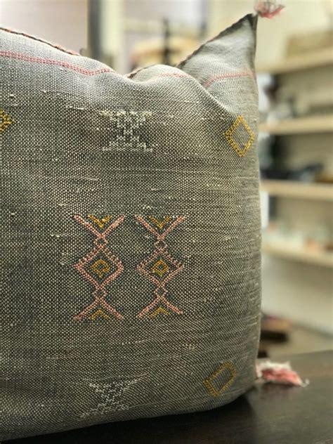 buy cheap handmade moroccan cactus silk kilim rug pillow