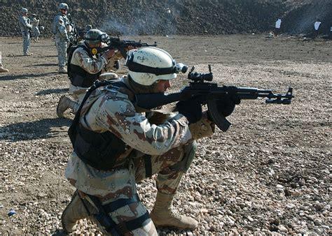 file iraqi soldier with akm jpg wikipedia
