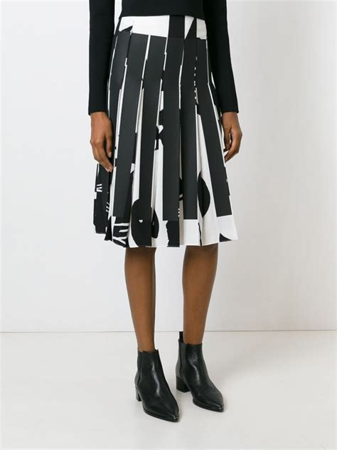 8 Skirts To Fall For by Statement Skirts For Fall Winter 2018 Fashiongum