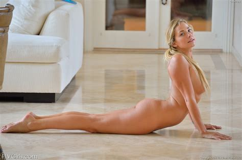 Courtney Ftv Yoga Girl