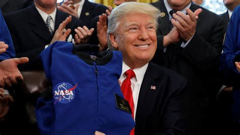 donald trump nasa dec 11 trump set to send astronauts back to the moon for