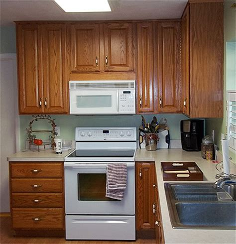 kitchen cabinets clearwater fl painting oak kitchen cabinets darker in clearwater