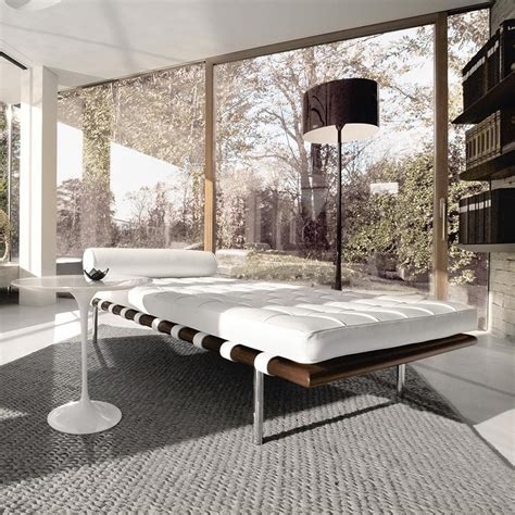 knoll international barcelona mies van der rohe daybed ambientedirect