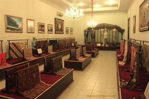 Batik Danar Hadi Slamet Riyadi saat mir ke untuk vakansi pastikan 13 destinasi ini sempat kamu kunjungi
