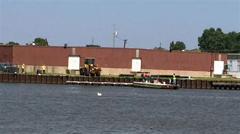 boat crash green bay dock being removed from citydeck after ship crash wluk