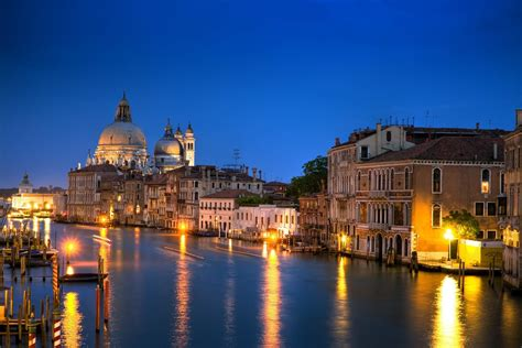 grand canapé droit venice italy grand canal canal grande architecture house