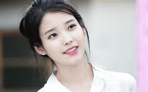 I U iu returns to tv with drama my mister