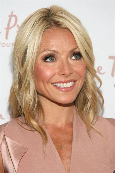 pictures of kelly ripas new hairstyle kelly ripa celebrity hairstyles celebrity hairstyles