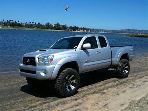 toyota tacoma lifted the gallery for gt white toyota tacoma lifted