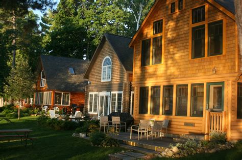 lakeside cottage rentals photos leelanau s rustic resort